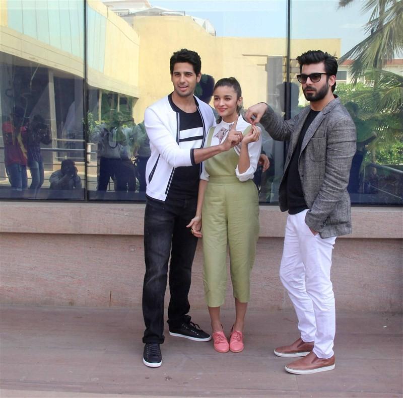 Alia Bhatt,Sidharth Malhotra,sidharth malhotra,Alia Bhatt and Sidharth Malhotra,Kapoor And Sons,Kapoor And Sons' Media Meet,Media interaction of film Kapoor and Sons