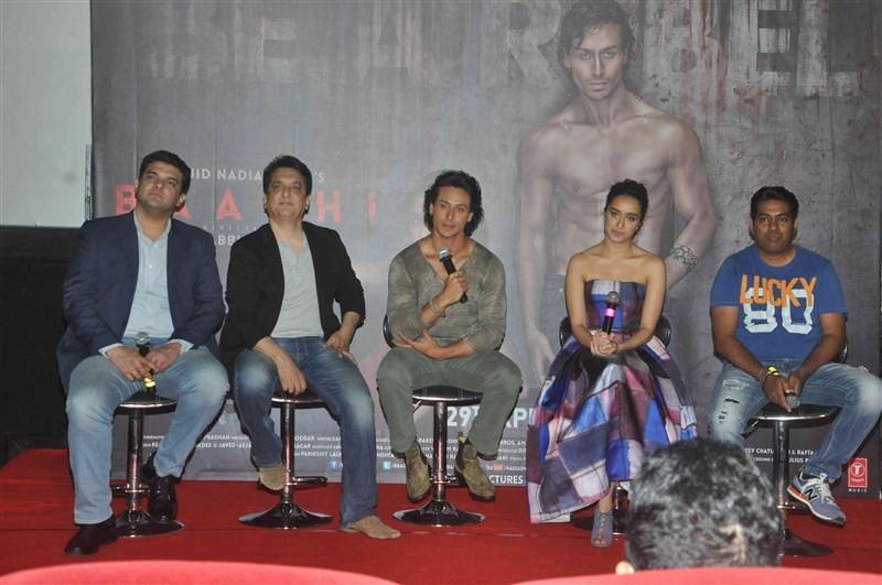 Shraddha Kapoor,Tiger Shroff,Shraddha Kapoor and Tiger Shroff,Shraddha Kapoor at Baaghi trailer launch,Tiger Shroff at Baaghi trailer launch,Baaghi trailer launch,Baaghi trailer launch pics,Baaghi trailer,Baaghi trailer launch images,Baaghi trailer launch