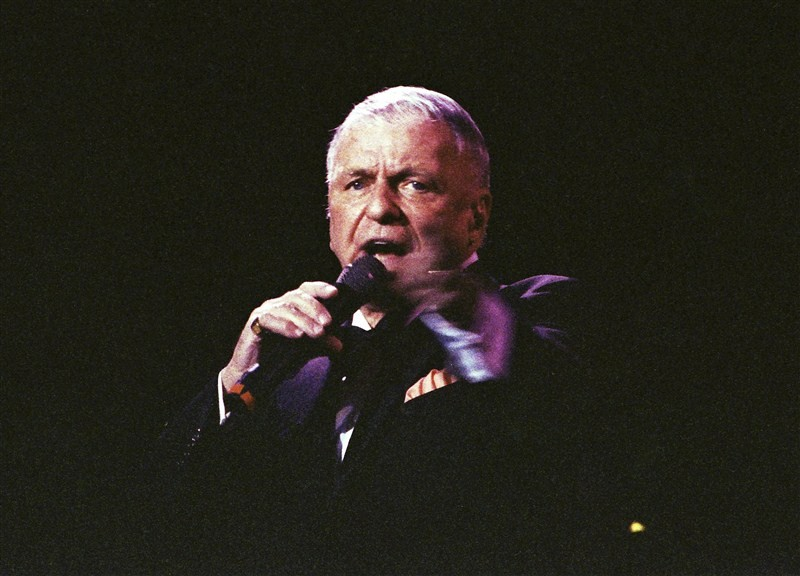 Frank Sinatra Jr.,Frank Sinatra,actor Frank Sinatra,Singer Frank Sinatra,Frank Sinatra dead,Frank Sinatra passes away