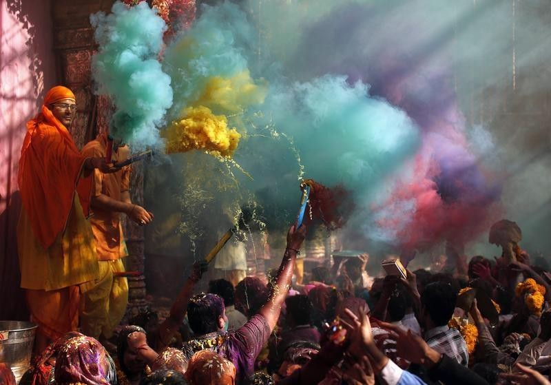 Holi 2016,Holi,holi 2016 celebrations,holi 2016 wishes,holi 2016 march 23,holi 2016 special,Holi Celebration,Holi Celebration pics,Holi Celebration images,Holi Celebration stills,Holi Celebration pictures
