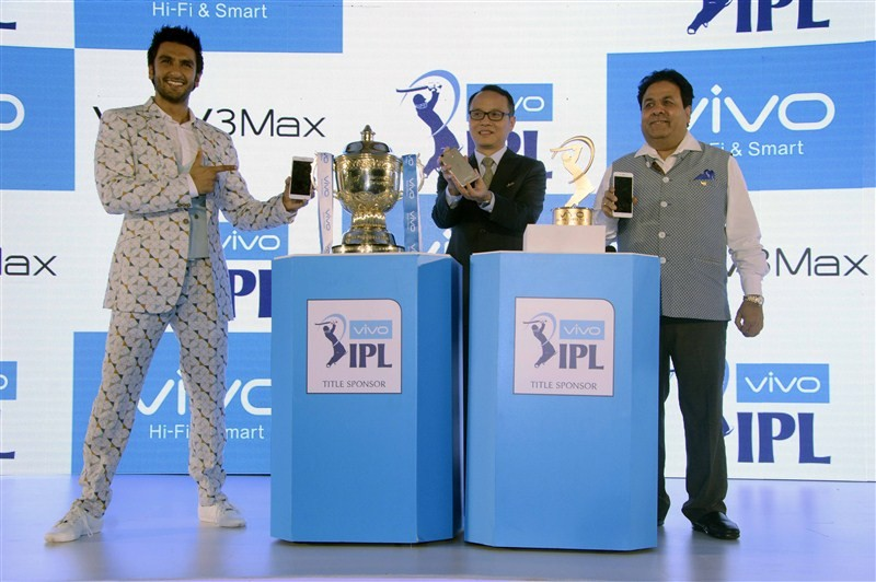 Vivo,Vivo Smartphone,Ranveer Singh,Ranveer Singh as Brand Ambassador,Ranveer Singh launches Vivo smart phone,Vivo Launches V3 and V3Max Smartphone,V3 Smartphone,V3Max Smartphone,Vivo ropes in Ranveer Singh as brand ambassador,Ranveer Singh launches Vivo s