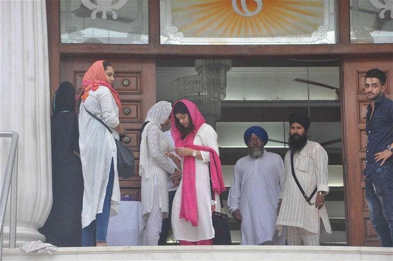Pratyusha Banerjee,Pratyusha Banerjee Prayer meeting,TV actor Pratyusha Banerjee,Pratyusha Banerjee dead,Pratyusha Banerjee suicide,Pratyusha Banerjee death,Pratyusha Banerjee relationship,Rahul Raj Singh,Shankar Banerjee