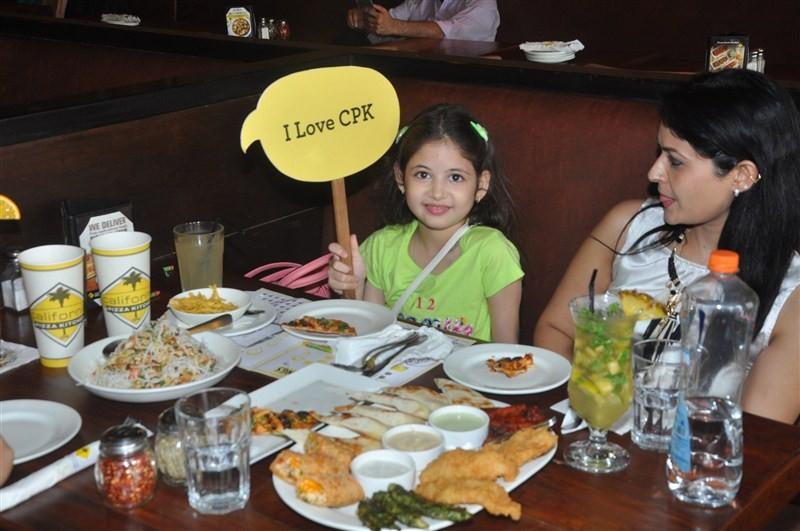 Harshaali Malhotra,child artiste Harshaali Malhotra,Bajrangi Bhaijaan fame Harshaali Malhotra,Harshaali Malhotra spotted at California Pizza Kitchen,California Pizza Kitchen,Harshaali Malhotra pics,Harshaali Malhotra images,Harshaali Malhotra stills,Harsh