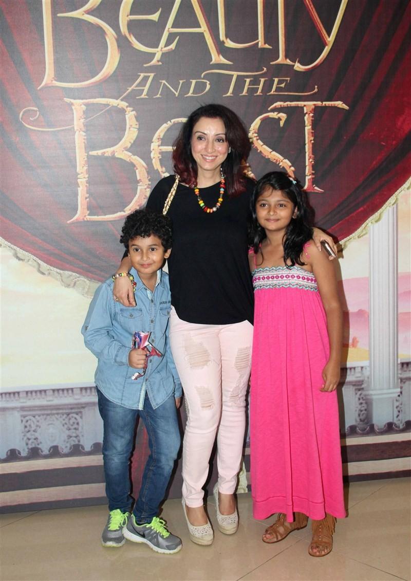 Rahul Dravid,Madhuri Dixit,Shilpa Shetty,Madhuri Dixit family at Disney's 'Beauty And The Beast' musical event,Shilpa Shetty family at Disney's 'Beauty And The Beast' musical event in Mumbai,Raj Kundra,Viaan Raj Kundra,Shilpa