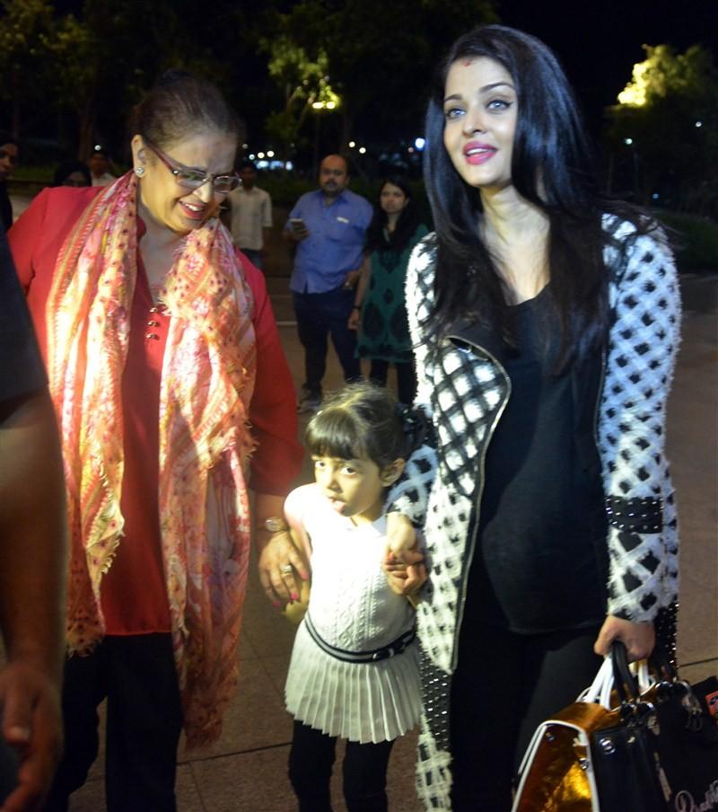 Aishwarya Rai Bachchan,Aishwarya Rai Bachchan with Aaradhya,Aaradhya,Aishwarya Rai Bachchan at Cannes with daughter Aaradhya,Aishwarya Rai Bachchan at Cannes film festival,Aishwarya Rai at Cannes,Aishwarya Rai Bachchan pics,Aishwarya Rai Bachchan images,A