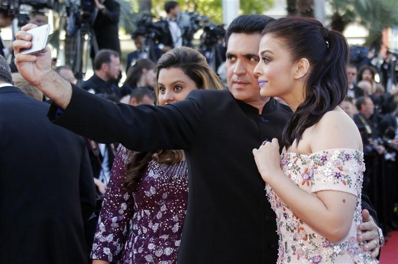 Aishwarya Rai Bachchan,Aishwarya Rai Bachchan at Cannes Film Festival,Aishwarya Rai at Cannes Film Festival,Cannes Film Festival,Cannes Film Festival 2016,Aishwarya Rai pics,Aishwarya Rai images,Aishwarya Rai photos,Aishwarya Rai stills,Aishwarya Rai pict