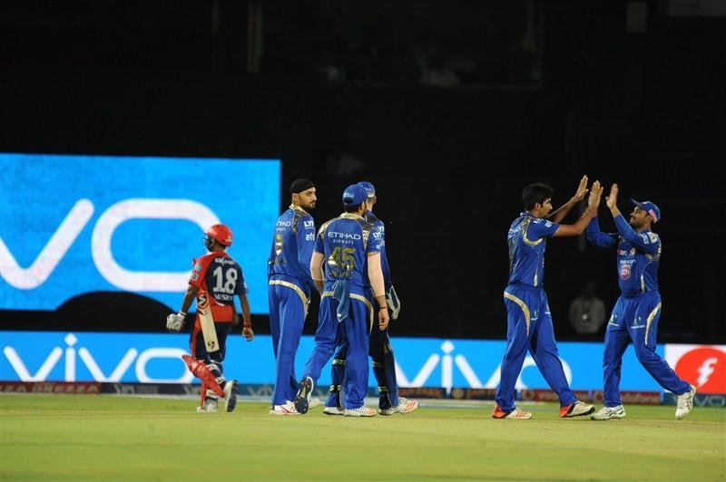 Mumbai Indians trash Delhi Daredevils by 80 runs,Mumbai Indians trash Delhi Daredevils,Mumbai Indians beat Delhi Daredevils,Mumbai Indians,Delhi Daredevils,Indian Premier League,Indian Premier League 2016,IPL pics,IPL images,IPL photos,IPL stills,IPL pict