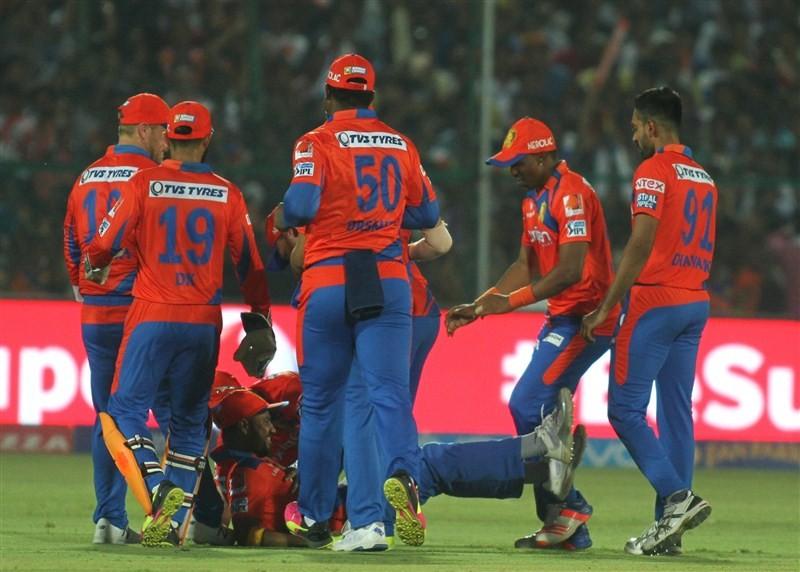 Gujarat Lions,Kolkata Knight Riders,Gujarat Lions beat Kolkata Knight Riders,Gujarat Lions trash Kolkata Knight Riders,Suresh Raina,Dwayne Smith,KKR,Indian Premier League,Indian Premier League 2016,Indian Premier League pics,IPL pics,IPL images,IPL photos
