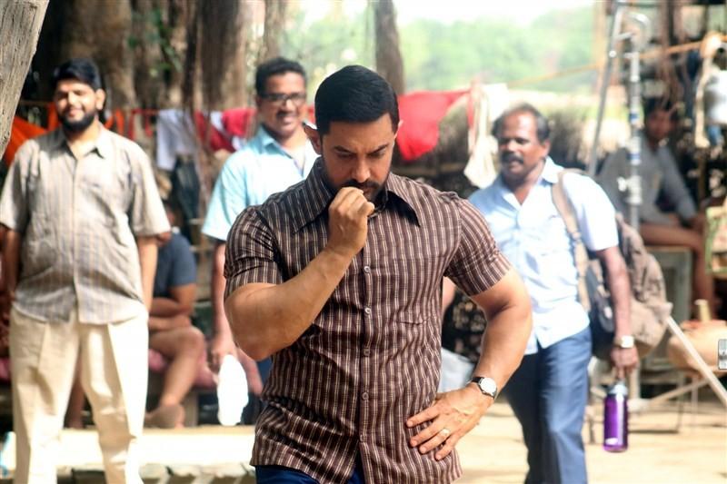 Aamir Khan,Aamir Khan new look,Aamir Khan at Dangal sets,Dangal on the sets,Aamir Khan at Dangal on the sets,Dangal working stills,Dangal working pics,Dangal working images,Dangal working photos,Dangal working pictures,Dangal movie pics,Dangal movie image