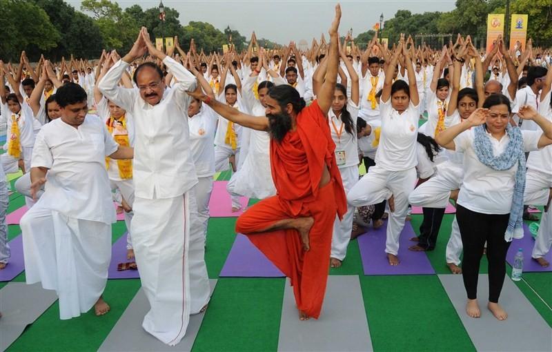 For International Yoga Day,for International Yoga Day 2016,Baba Ramdev,Venkaiah Naidu,Baba Ramdev at International Yoga Day,Baba Ramdev Yoga Day,Yoga rehearsal,Yoga rehearsal pics,Yoga rehearsal images,Yoga rehearsal photos,Yoga rehearsal stills,Yoga rehe