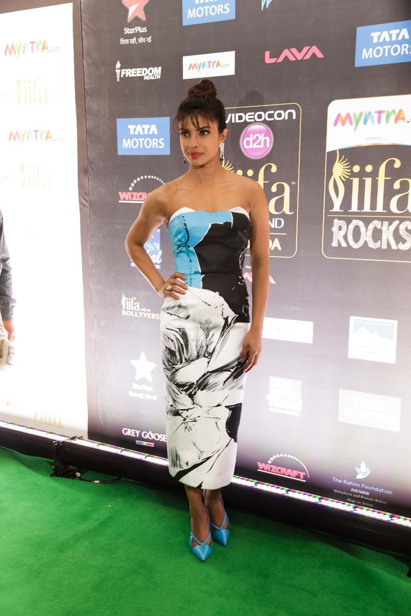 Priyanka Chopra at IIFA Rocks,Priyanka Chopra at IIFA Rocks 2016,Priyanka Chopra at IIFA,Priyanka Chopra at IIFA awards,Priyanka Chopra at IIFA awards 2016,Priyanka Chopra,Priyanka Chopra pics,Priyanka Chopra images,Priyanka Chopra photos,Priyanka Chopra