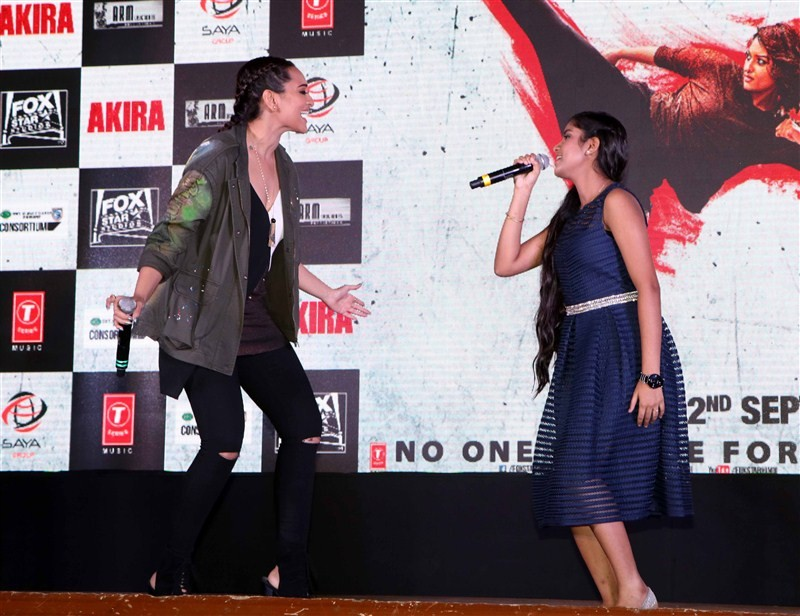 Sonakshi Sinha,Rajj Rajj Ke,Rajj Rajj Ke song,Sonakshi Sinha launches Rajj Rajj Ke song from Akira movie,Rajj Rajj Ke song from Akira movie,Akira,bollywood movie Akira,Sonakshi Sinha latest pics,Sonakshi Sinha latest images,Sonakshi Sinha latest photos,So