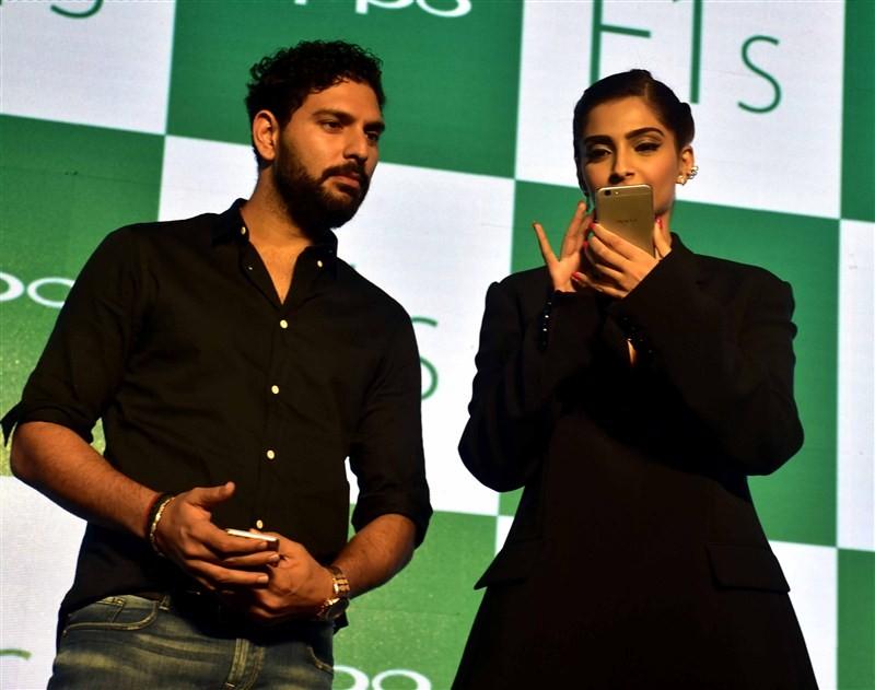 Sonam Kapoor,Yuvraj Singh,Oppo F1s Smartphone Launch,Oppo F1s Smartphone,Oppo F1s,cricket player Yuvraj Singh,Oppo F1s launch,Oppo F1s launch pics,Oppo F1s launch images,Oppo F1s launch photos,Oppo F1s launch stills,Oppo F1s launch pictures