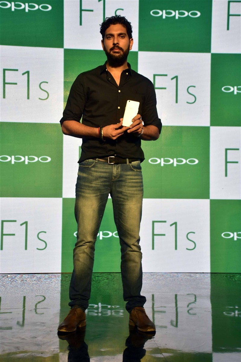 Sonam Kapoor,Yuvraj Singh,Oppo F1s Smartphone Launch,Oppo F1s Smartphone,Oppo F1s,cricket player Yuvraj Singh,Oppo F1s launch,Oppo F1s launch pics,Oppo F1s launch images,Oppo F1s launch photos,Oppo F1s launch stills,Oppo F1s launch pictures