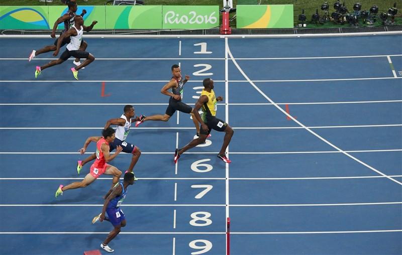 Rio Olympics 2016,Usain Bolt wins 100m gold,Usain Bolt wins gold,Usain Bolt,Jamaican athlete Usain Bolt,Rio Games,Bolt creates athletics history at Rio Olympics