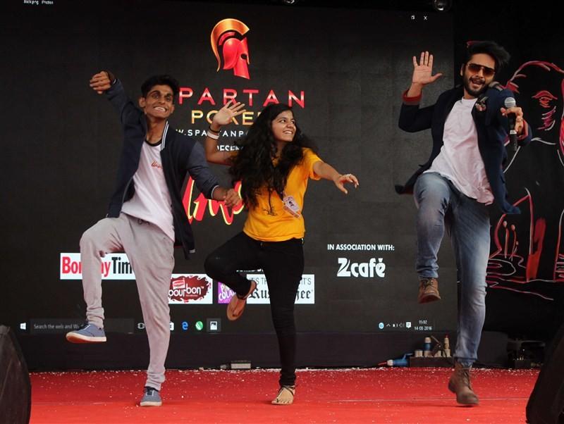 Diana Penty,Ali Fazal,Happy Bhag Jayegi,Happy Bhag Jayegi promotions,bollywood movie Happy Bhag Jayegi,Umang Festival 2016,Mithibai College
