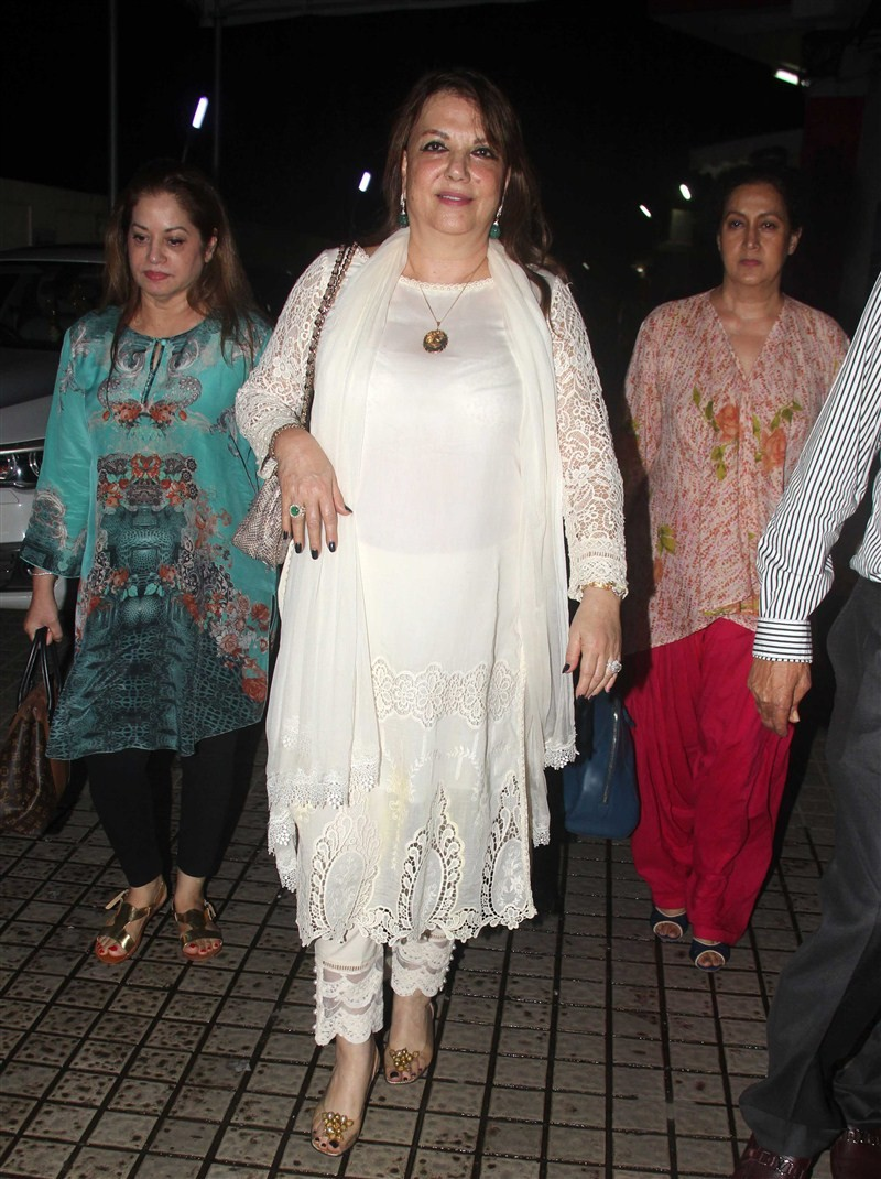 Sussane Khan,Sussane Khan with her Kids Snapped at PVR,Sussane Khan with her Kids,Sussane Khan kids,actress Sussane Khan,Sussane Khan pics,Sussane Khan images,Sussane Khan photos,Sussane Khan stills,Sussane Khan pictures