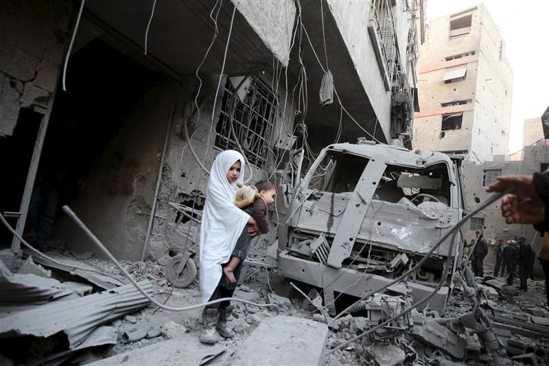 Syria's children caught civil war,civil war,Syria's children,Syria children,barrel bombs,Syria face shelling,air strikes