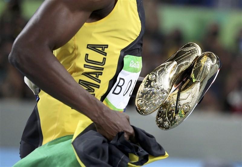 Usain Bolt,Usain Bolt makes History,Usain Bolt makes History in Triple-Triple,Jamaica wins Sprint,Sprint Relay,Usain BOlt Rio Olympics,Usain Bolt pics,Usain Bolt images,Usain Bolt photos