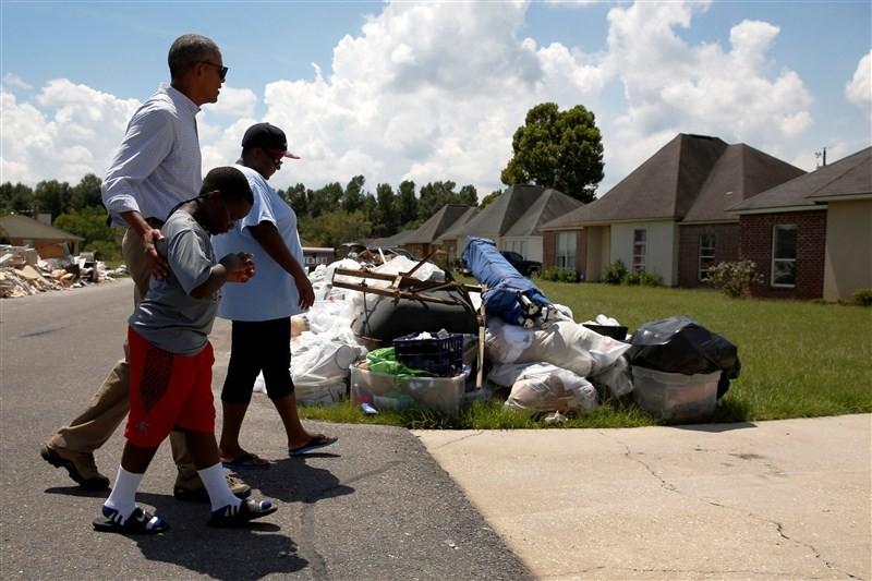 President Barack Obama,Barack Obama,Obama visits Louisiana floods victims,Barack Obama visits floods victims,Louisiana floods victims,Louisiana