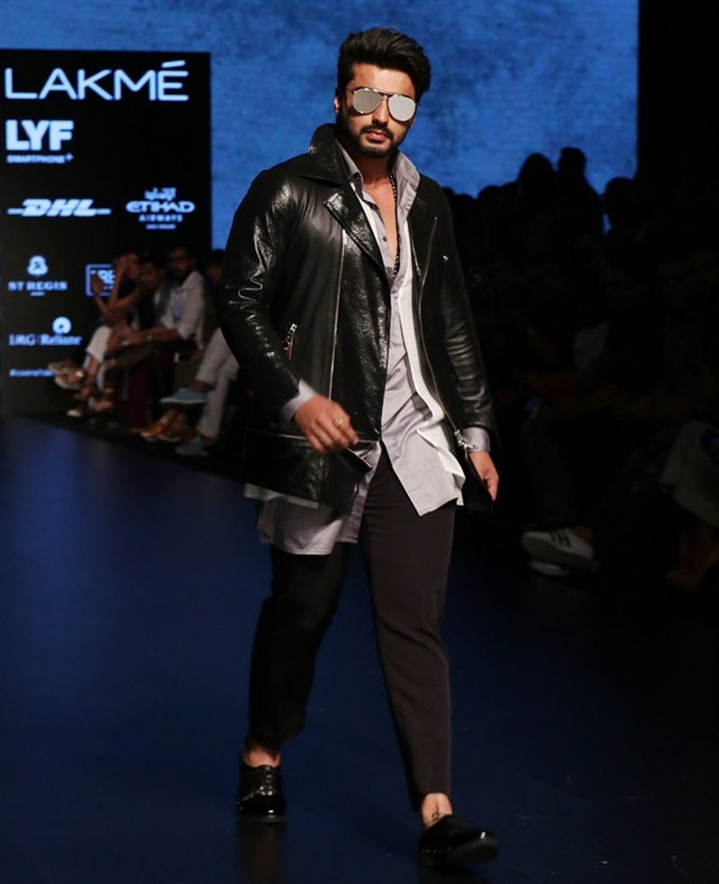 Arjun Kapoor,Arjun Kapoor at The Lakme Fashion Week,Lakme Fashion Week,Lakme Fashion Week 2016,Arjun Kapoor walks the ramp,Sahil Aneja,Lakme Fashion Week Winter Festive 2016,Lakme Fashion Week Winter Festive