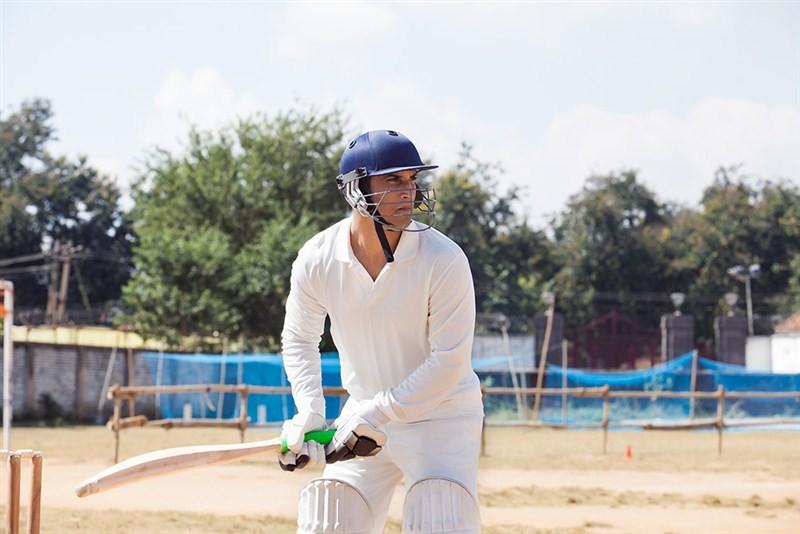 Sushant Singh Rajput,M.S Dhoni: The Untold story,M.S Dhoni,Dhoni,Sushant Singh Rajput practices cricket,Sushant Singh practices cricket