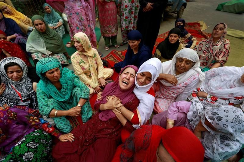 Kashmir unrest,Kashmir,Jammu and Kashmir,protesters,Indian security forces,security forces,security forces and protesters,65 days of Kashmir unrest,violence in Kashmir,Kashmir violence