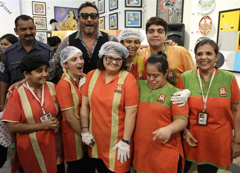 Amruta Fadnavis,The Art Trisomy 21,Trisomy 21,Radhike Khanna,Artist Anuradha Thakur,Jackie Shroff,Jackie Shroff at The Art Trisomy 21,Radhike Khanna,Amruta Fadnavis