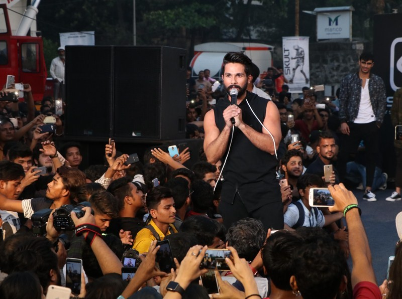 Shahid Kapoor,actor Shahid Kapoor,Abof online fashion portal,all about fashion,Bollywood actor Shahid Kapoor,accessories