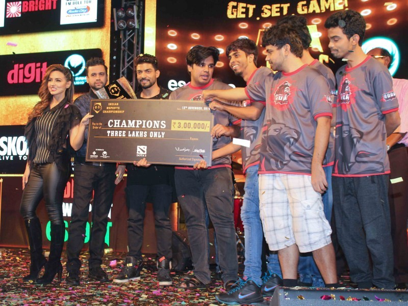 Sana Khan,Grand Finale of Indian Esports Championship,Indian Esports Championship,Indian Esports Championship Grand Finale,Sana Khan latest pics,Sana Khan latest images,Sana Khan latest photos,Sana Khan latest stills,Sana Khan latest pictures