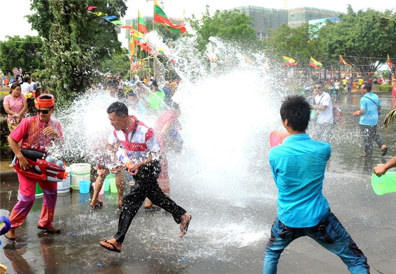 Water Splashing Festival in China,China Yunnan Dehon Water Sprinkling Festival,China Yunnan Dehon Water Sprinkling Festival celebrations