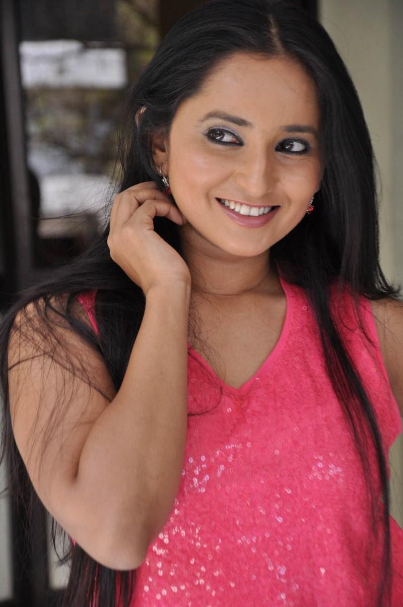 Ishika Singh,actress Ishika Singh,Ishika Singh pics,Ishika Singh images,Ishika Singh photos,Ishika Singh stills,Ishika Singh pictures,south indian actress,telugu actress