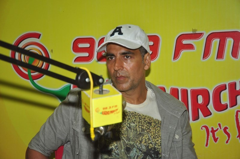 Akshay Kumar Promotes Gabbar is Back At Radio Mirchi,Akshay Kumar,actor Akshay Kumar,Gabbar is Back,akshay kumar Gabbar is Back,Radio Mirchi,Akshay Kumar pics,Akshay Kumar stills,Akshay Kumar photos,Akshay Kumar at Radio Mirchi