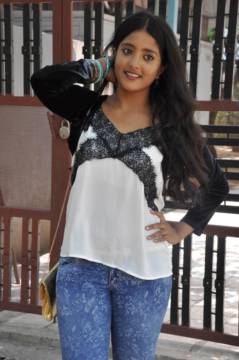 Ulka Gupta,actress Ulka Gupta,Ulka Gupta pics,Ulka Gupta images,Ulka Gupta photos,south indian actress,Ulka Gupta hot pics,hot Ulka Gupta