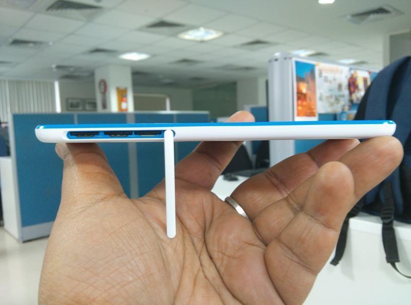 HTC Desire 820S SIM Slot compartment
