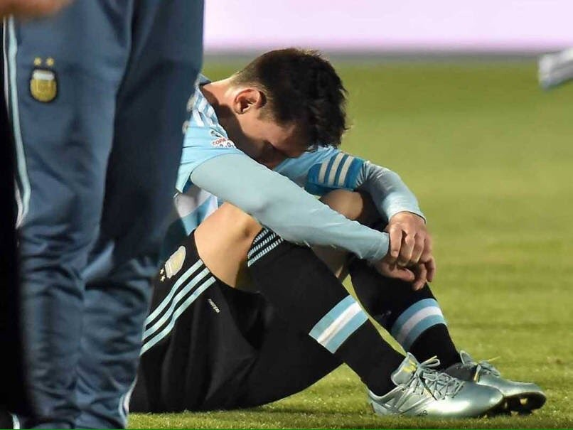 Lionel Messi,Lionel Messi retired,Lionel Messi retired from international football,Lionel Messi retired from football,Copa America final,Argentina vs Chile team Copa America final 2016 news and starting XI,Copa America final loss