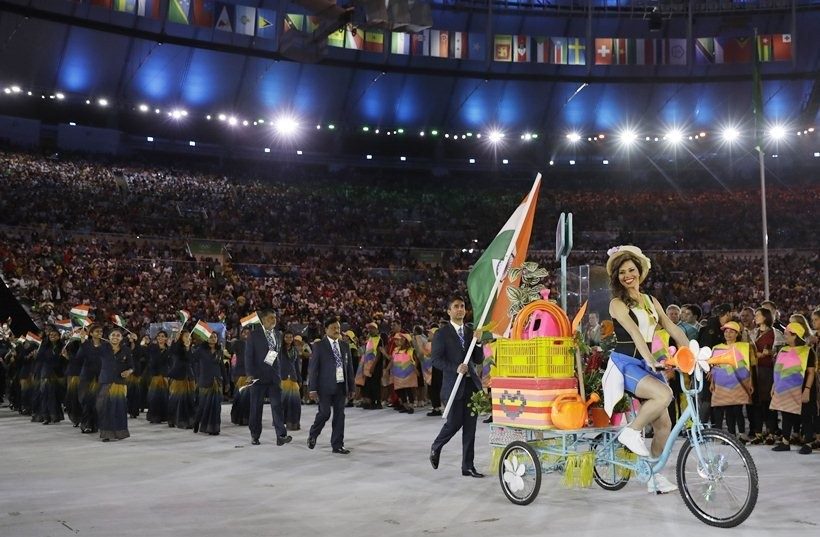 Abhinav Bindra,Abhinav Bindra leads India,Rio Olympics opening ceremony,india,Team india,Indian Team at Olympics opening ceremony,Olympics opening ceremony pics,Olympics opening ceremony images,Olympics opening ceremony photos