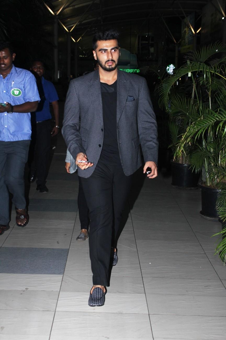 Ranveer Singh,Arjun Kapoor,Sidharth Malhotra,anil kapoor,Mumbai Airport,celebs spotted,photos