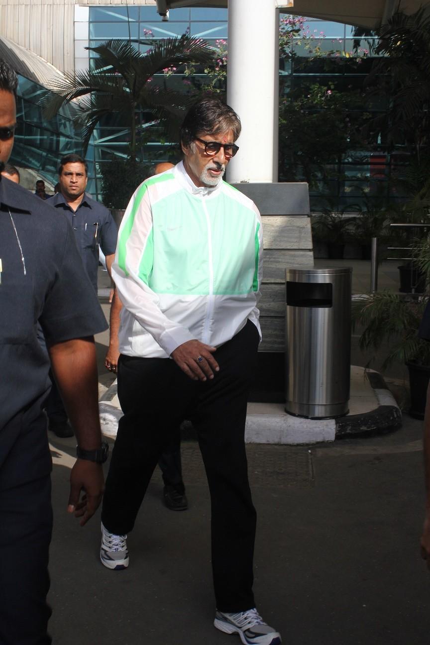 Amitabh Bachchan,Kajol,Nargis Fakhri,Mumbai Airport,Celebs Spotted,photos