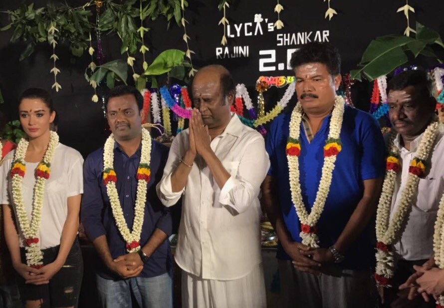 Rajinikanth,Amy Jackson,Shankar,Rajinikanth celebrates Ayudha Pooja,Amy Jackson celebrate Ayudha Pooja,Ayudha Pooja,Superstar Rajinikanth,2.0 on sets