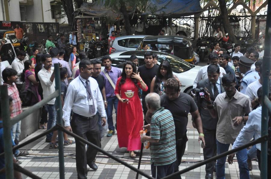 Juhi chawla,sohail khan,Inauguration,Sirf Keval Sigma Clinic,Mumbai,photos