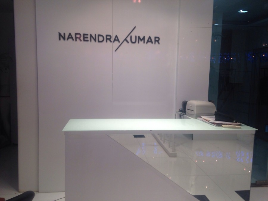 Narendra Kumar,Spring Summer 2015,Neil Nitin Mukesh,Yuvraj Singh,store launch,summer collections,cricket,photos