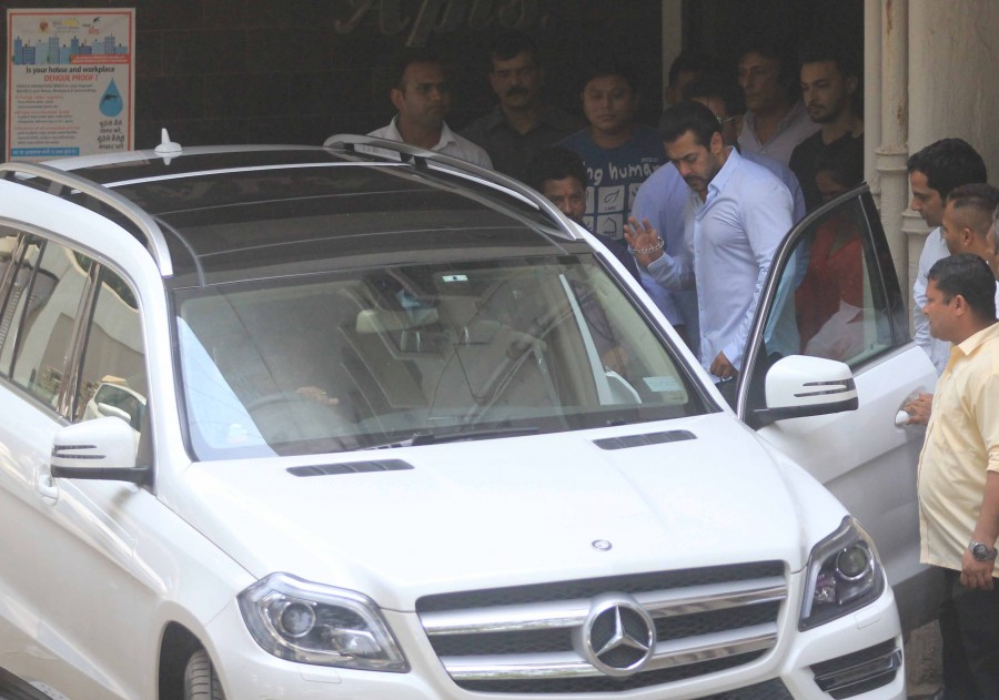 Salman khan,salman khan court photos,salman khan verdict,salman khan convicted,salman khan case,2002 Hit-and-Run Case