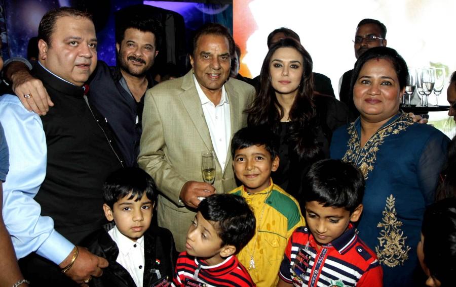 Anil kapoor,preity zinta,Dharmendra,birthday bash,Kishore Dingra,Kishore Dingra's son birthday bash,hot images