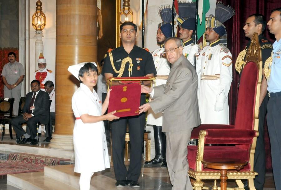 International nurses day,nurses day,world nursing day,Pranab Mukherjee,founder of nursing,Florence Nightingale Awards 2014,Florence Nightingale Award winners