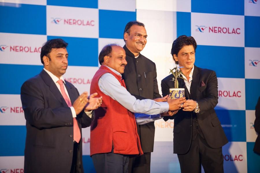 Shah Rukh Khan,nepal,kathmandu,promotional campaign,press meet,Nerolac Paints,photos