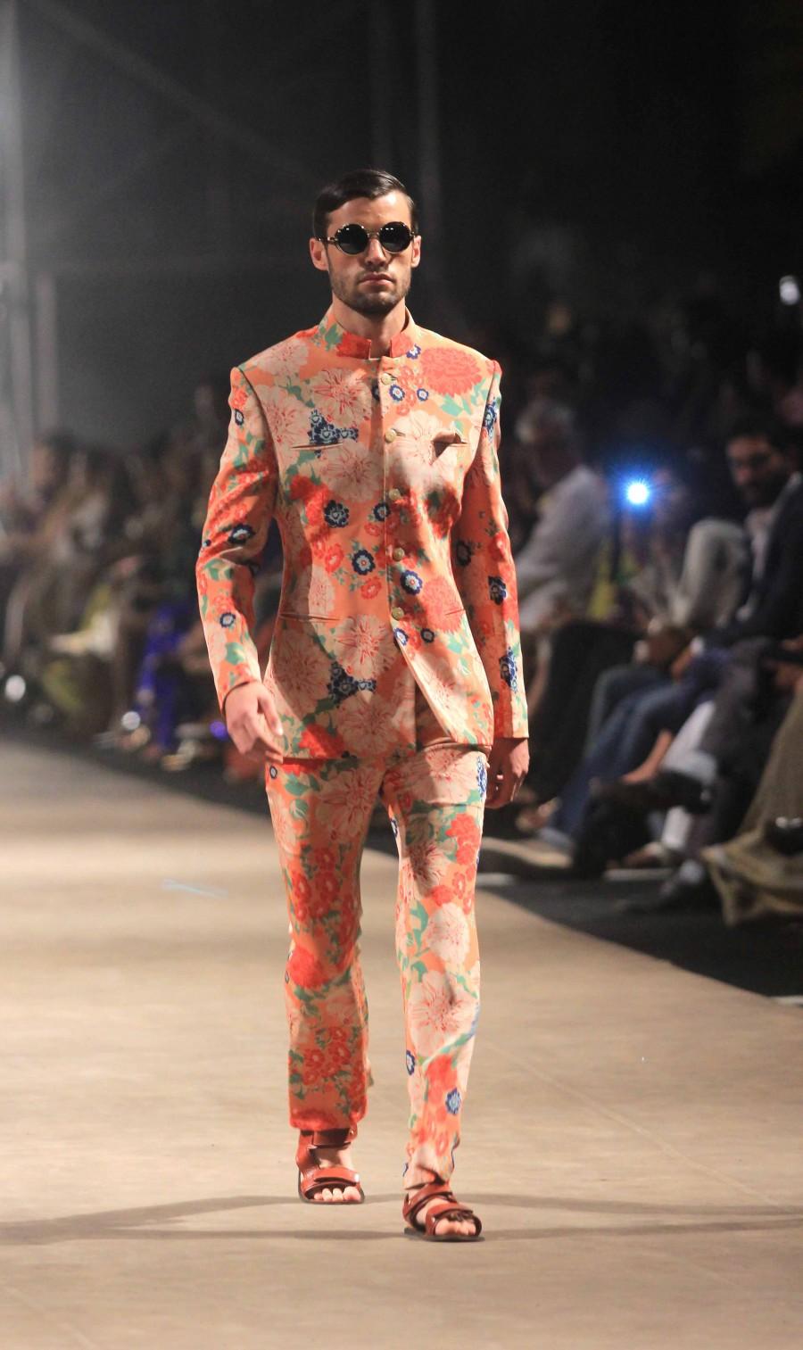 Lakme Fashion Week 2015,LFW2015,Sabyasachi,curtain raiser,fashion show,bollywood,photos