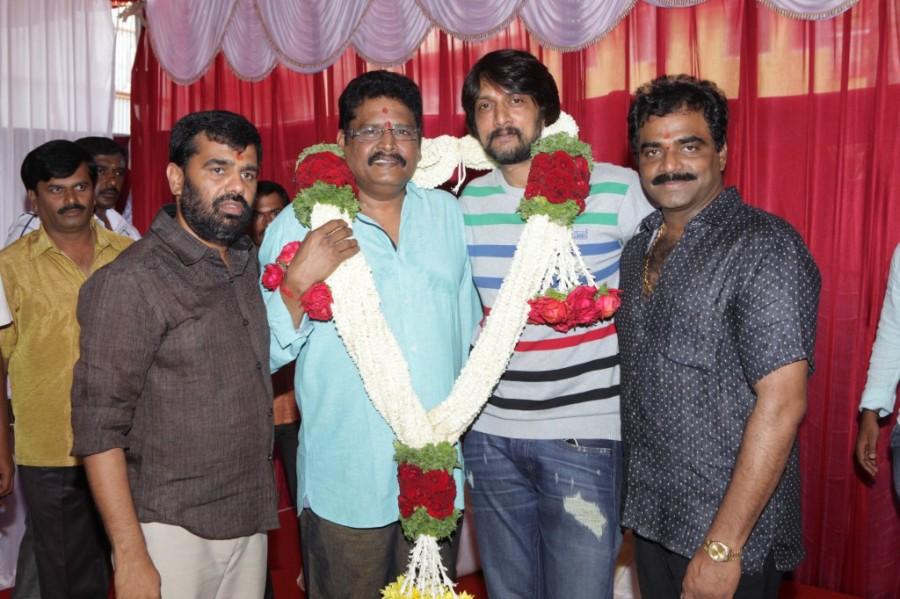 Sudeep and KS RaviKumar New Movie Launch,Sudeep New Movie Launch,KS RaviKumar New Movie Launch,Sudeep and KS RaviKumar,Kiccha Sudeep,Kiccha Sudeep pics,Kiccha Sudeep images