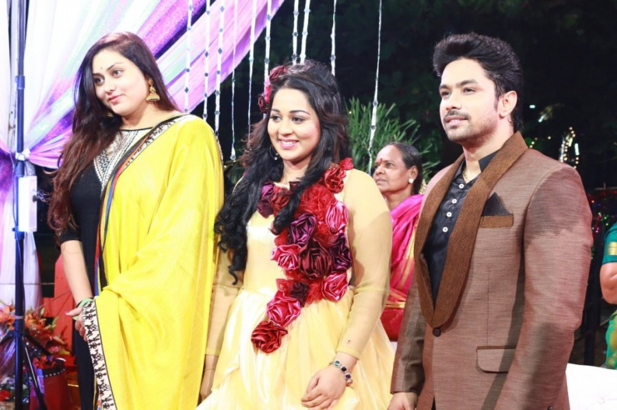 Harish Wedding Reception,Harish and Abinaya Wedding Reception,Harish and Abinaya,Harish Wedding Reception pics,Harish Wedding Reception images,Harish Wedding Reception photos,Harish Wedding Reception stills,Harish Wedding Reception pictures,Abinaya Weddin