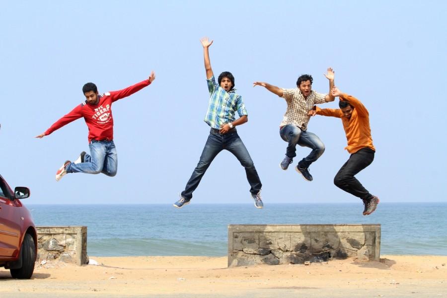 Red Alert,telugu movie Red Alert,Red Alert Movie Stills,Red Alert Movie pics,Red Alert pics,Red Alert images,Red Alert photos,Red Alert stills,Mahadevan,Ravi,Sai Naresh